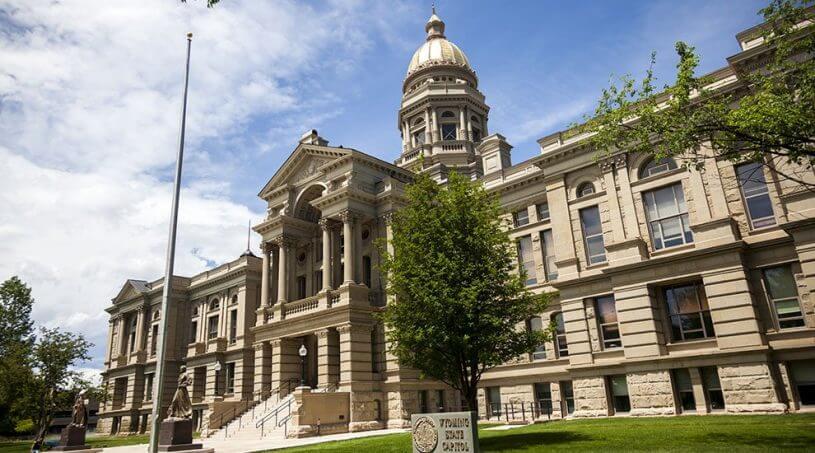 Wyoming Legislators Approve Blockchain Bank Bill